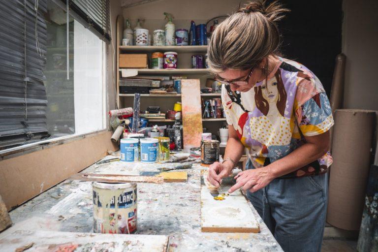 bea - taverna - painting - in - her - studio - in - patagonia