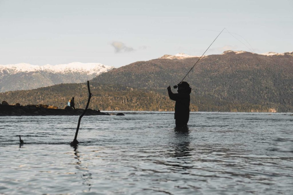 go - fly - fishing - in - patagonia